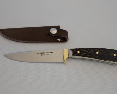 Jagdmesser mit Hirschhorn und Messingbeschlag
